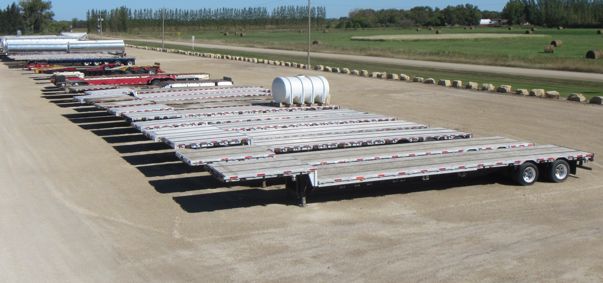 Quality used semi trailers, tankers & heavy equipment