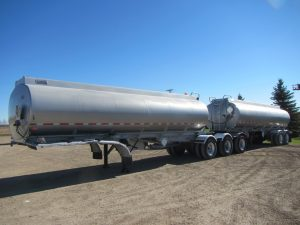 Columbia Super-B Fuel Tanker Trailer (1)