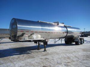 Polar Tandem Stainless Tanker Trailer (1)
