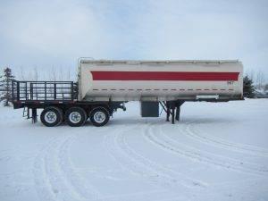 hutchinson-tridem-tanker-deck-trailer-2