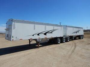 cornhusker-super-b-grain-hopper-trailer-1