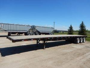 great-dane-tridem-flat-deck-trailer-1