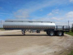 willock-tandem-tanker-deck-trailer-2