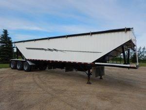 cancade-tridem-grain-hopper-trailer-1