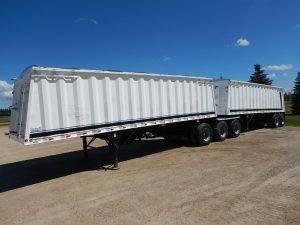 castleton-super-b-grain-hopper-trailer-1