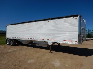 timpte-tandem-aluminum-grain-hopper-trailer-1