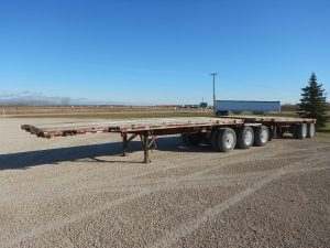 doepker-super-b-flat-deck-trailer-1