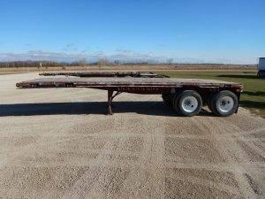 doepker-tandem-flat-deck-pup-trailer-2