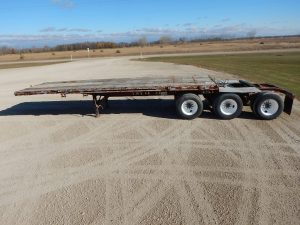 doepker-tridem-lead-flat-deck-trailer-2