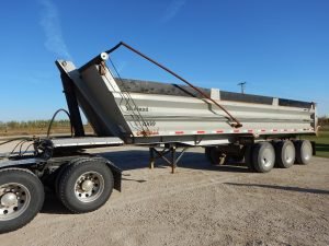 midland-tridem-end-dump-trailer-1