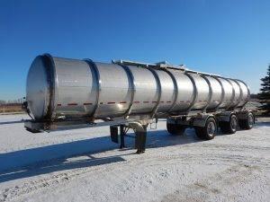 brenner-tri-stainless-tanker-trailer-1