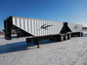 doepker-super-b-grain-hopper-trailer-1