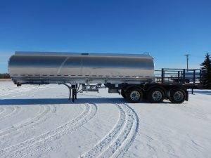 advance-tridem-aluminum-tanker-deck-trailer-2