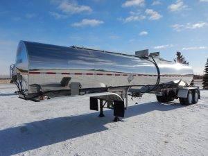 brenner-tandem-stainless-tanker-trailer-1