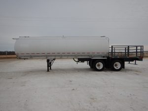 westank-tandem-alum-tanker-deck-trailer-2