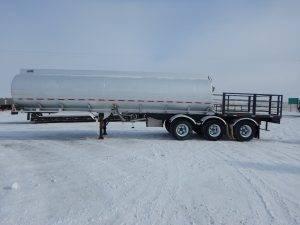 columbia-tridem-tanker-deck-trailer-2