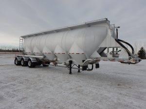 jl-tridem-dry-bulk-pneumatic-food-grade-trailer-1