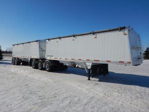 lode-king-super-b-aluminum-grain-hopper-trailer-1