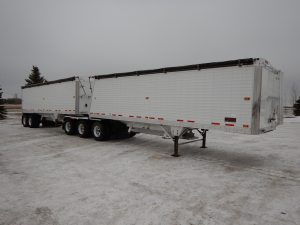 timpte-super-b-grain-hopper-trailer-1