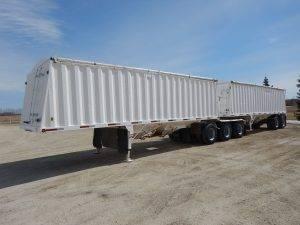 doepker-super-b-grain-hopper-trailer-1