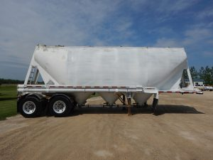 beall-tandem-pneumatic-trailer-2